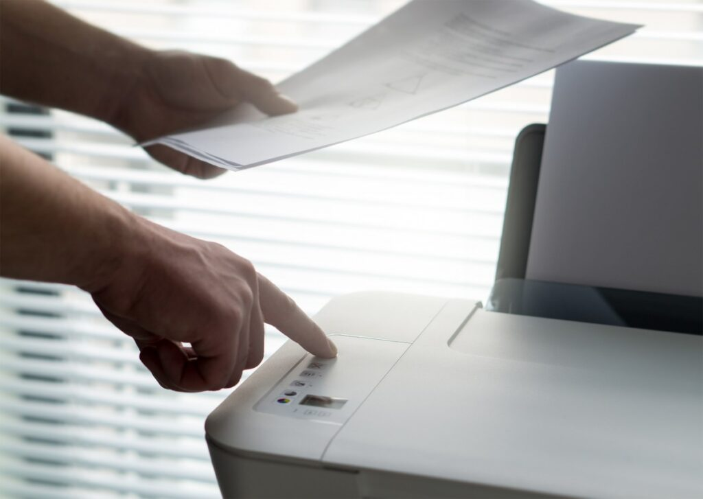 printer_using_print_operate_use_press_button_printing-1382746
